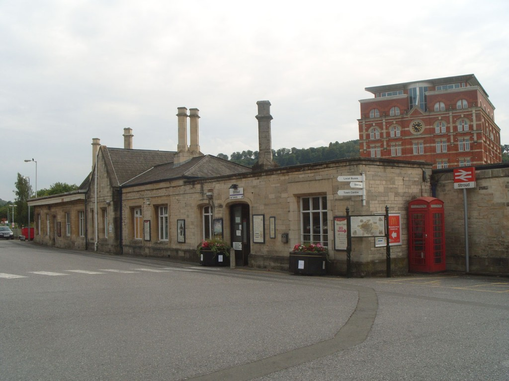 Stroud Station. Photo P Stevens Aug 2014