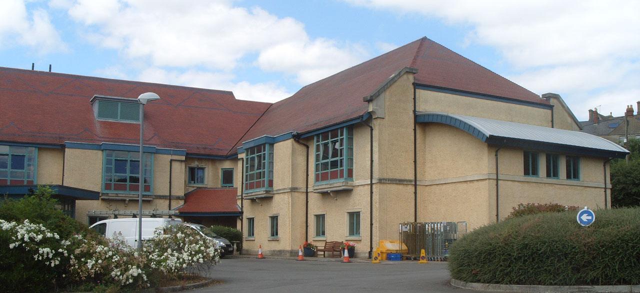 Stroud General Hospital. Photo P Stevens July 2014